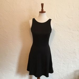 H&M knit dress. Size 6.